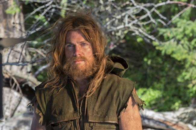 """Stephen Amell en una imagen perteneciente al primer capítulo de """"Arrow"""""""