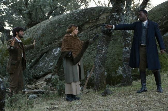 """Simón ofrece su ayuda a Soledad y a Terence tras la muerte de Olmo en """"El secreto de Puente Viejo"""""""