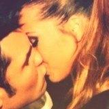 Santana y Yanira se besan y comparten la imagen en Twitter