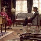 """Cristóbal para los pies a Francisca, pues no piensa consentir que juegue con él, en """"El secreto de Puente Viejo"""""""