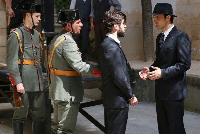 """Hernando se prepara para ser llevado al patíbulo, en """"El secreto de Puente Viejo"""""""