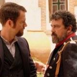 Víctor Ros y el sargento Giralda (Paco Tous) tienen diferentes métodos de actuación