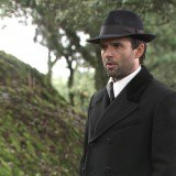 """Carmelo salva a Adela y consigue trabajo para ella, en """"El secreto de Puente Viejo"""""""