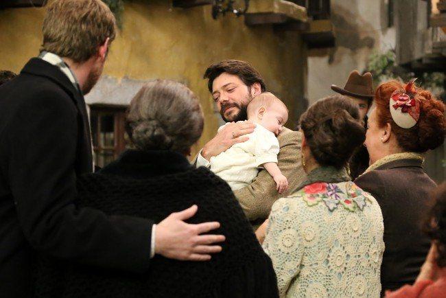 """Lucas hace las paces y con Emilia y le comunica que se marcha de Puente Viejo, en """"El secreto de Puente Viejo"""""""