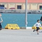 �lex Gonz�lez e Hiba Abouk en plena persecuci�n durante la grabaci�n de El Pr�ncipe de Telecinco