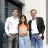 """Álex González, Hiba Abouk y José Coronado durante la presentación del rodaje de la serie """"El Príncipe"""""""